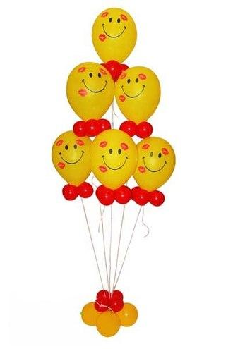 Смайл из воздушных шаров